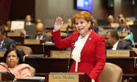 Lucía Medina insta a las mujeres a reclamar su espacio