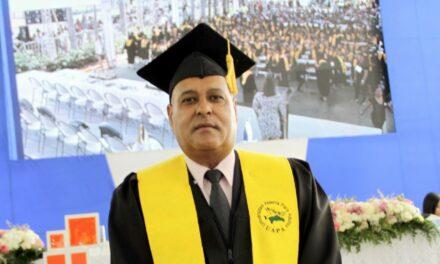 Universidad Abierta para Adultos celebra LVI Graduación Ordinaria. Oficial General de la FARD se gradúa en la misma.