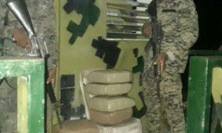 Ejército en Dajabón ocupa 8 pacas de supuesta Marihuana