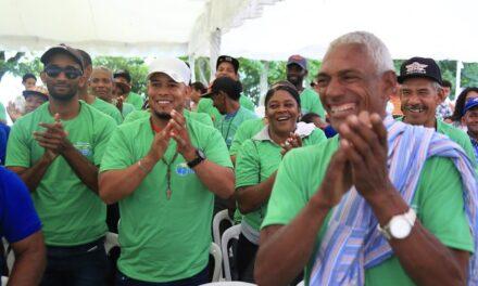 En 110 aniversario natalicio Juan Bosch, Danilo amplía apoyo a caficultores de Villa Trina y aprueba propuesta de pescadores Presa de Rincón