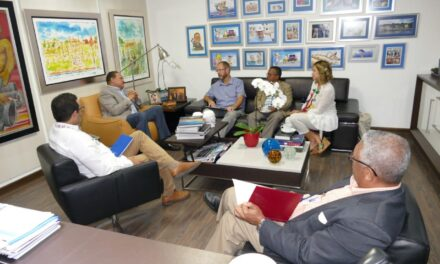 Director CAASD recibe auditor BID y ejecutivos The Nature Conservancy y Fondo Agua Santo Domingo