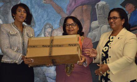 Energía y Minas entrega a UASD estación meteorológica donada por la OIEA