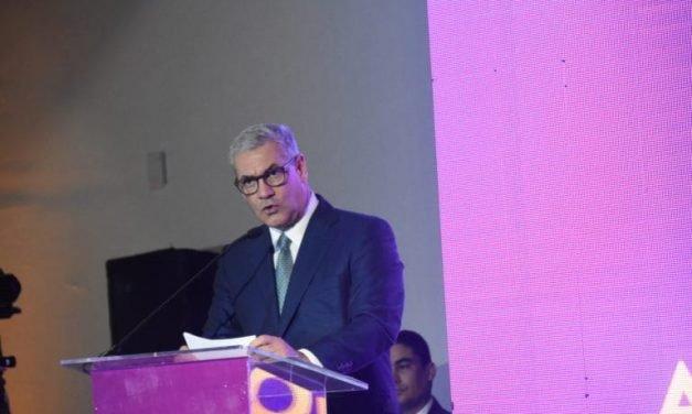 Castillo se compromete con la estabilidad económica y la seguridad ciudadana