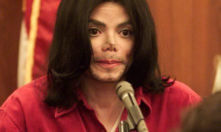 Un guardaespaldas de Michael Jackson revela por qué el 'rey del pop' llevaba máscaras y cinta adhesiva en la nariz