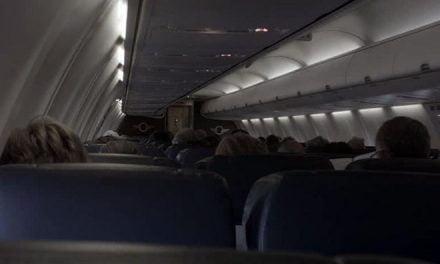 ¿Sabías qué las luces del avión tienen que apagarse al despegar y aterrizar?