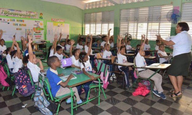 En segundo día de reinicio de clases asistencia de estudiantes es masiva