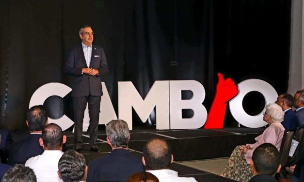 Abinader define planes para generar grandes inversiones turísticas y 100 mil  nuevos empleos en el sector
