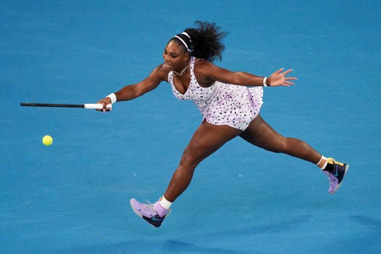 Serena accede con solvencia a la tercera ronda en Australia