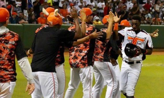 Toros ganan a Tigres y avanzan a la final con pitcheo de cubano Martínez
