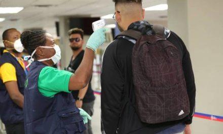 Aterrizó en Haití vuelo con chinos que fue rechazado por las Bahamas y la República Dominicana