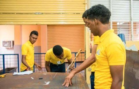 Estudiantes de Infotep competirán en torneo internacional