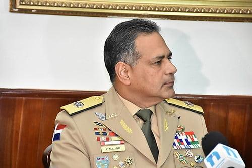 Ministro de Defensa advierte militar lazó bombas lacrimógenas será sancionado y desvinculado de la institución