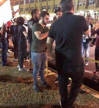 Lanzan bombas lacrimógenas a manifestantes frente a la JCE