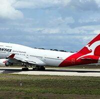 ¿Sabías qué un B747-200 de Qantas se utiliza para proyecciones de temas históricos en un museo de aviación en Australia?