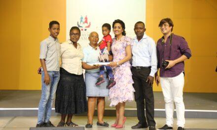 Primera dama resalta papel de las madres dominicanas; defiende su derecho a una vida digna