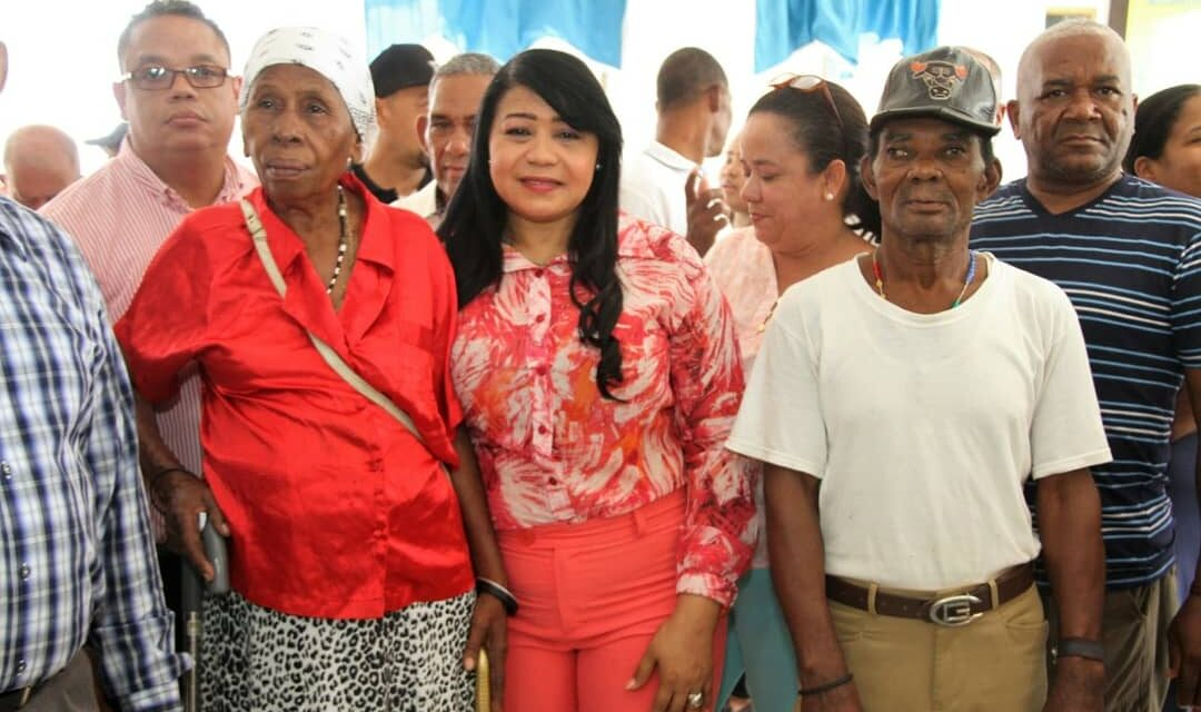 Valentina Cruz, Vicealcaldesa SDO encabeza Operativo de Salud en Hato Nuevo de Manoguayabo